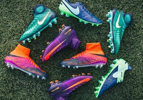 چرا کف کفش فوتبالیستها میخ دارد؟!