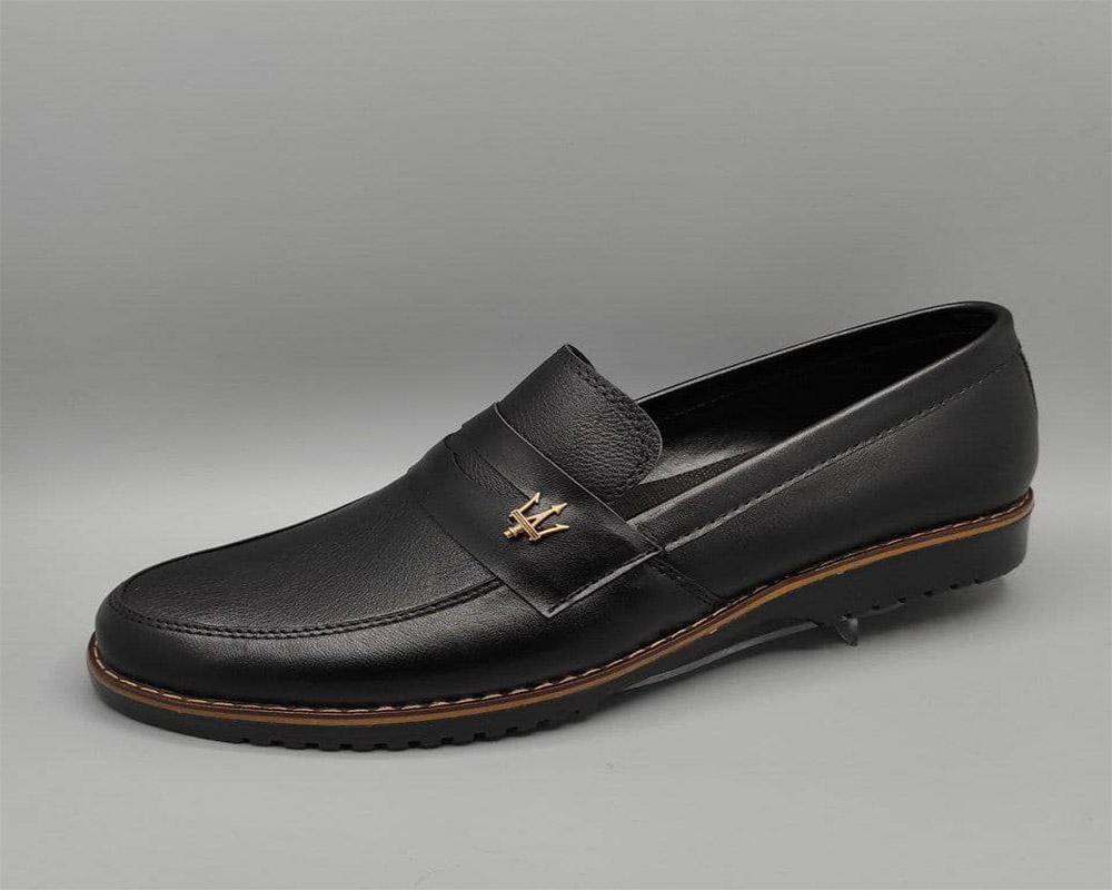 کفش کالج مازراتی